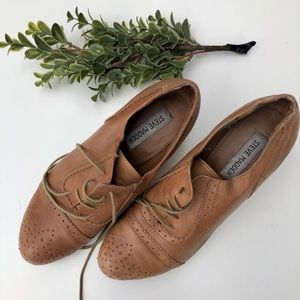 Docile Heeled Oxford in Tan by Steve Madden